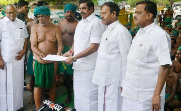 tamil-farmers-palaniswami-pti_650x400_61492959531.jpg